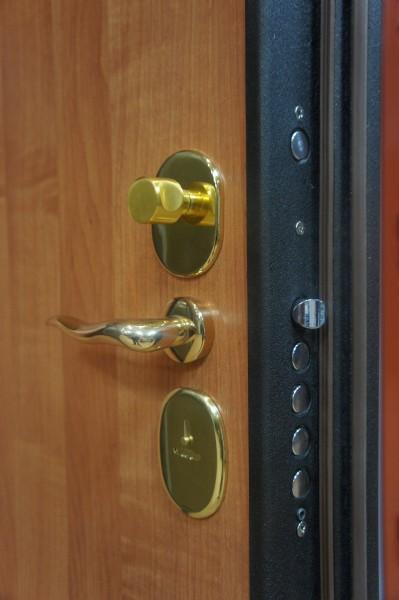 двери металлические входные с двойным уплотнением